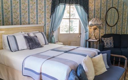 Alice Room - Queen bed