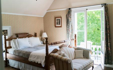Josephine Room - Queen bed