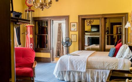 Phileas Fogg Room - King Bed
