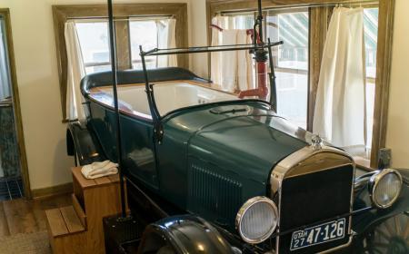 Phileas Fogg Room - Jetted tub